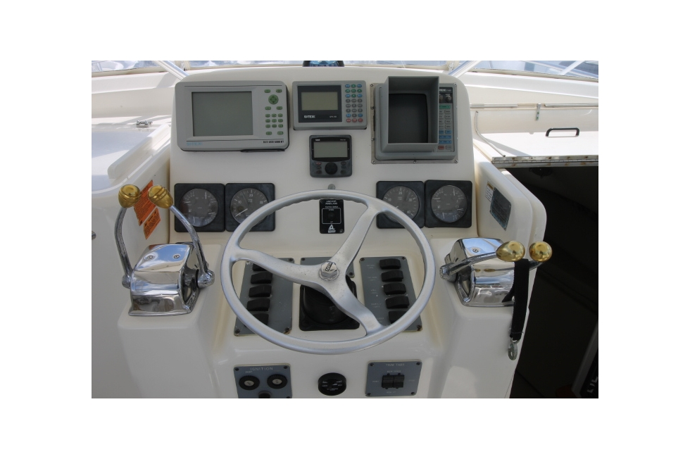 1997 Pursuit 3000 Offshore